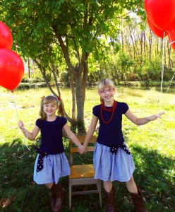 Balloon Shoot~ Girls Holding Hands